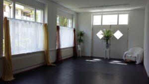 Susanna-Tuppinger-Körper-Bewegung-Tanz-Therapie-Bewegungsraum
